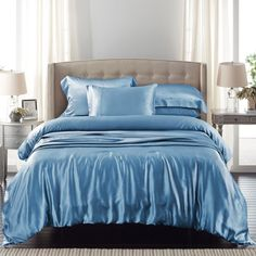Do you like this dark blue silk bedding set? Made from seamless mulberry silk. Incredibly soft and comfortable. Silk Sheets, Flat Sheets, Silk Bedding, Bed Linen Sets, Luxury Bedding Sets, Sheet Sets, Soft Fabrics, Duvet Covers, Blanket