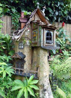 Ideas Tall Tree Stump Ideas Fairy Houses For 2019 Fairy Garden Houses, Gnome Garden, Fairy Gardens, Miniature Gardens, Fairy Tree Houses, Fairy Village, Gnome House, Fairy Doors, Fairy Land
