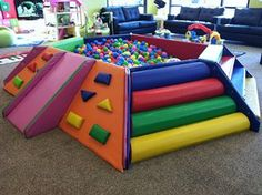 Ball pit with climbing walls Soft Play Area, Kids Play Area, Indoor Playhouse, Playhouse Plans, Indoor Play Areas, Toy Rooms, Indoor Playground, Vintage Design, Creative Kids