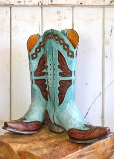 it's been a long time since i've worn my cowboy boots.  these are adorable