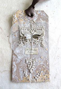 pretty lace tag