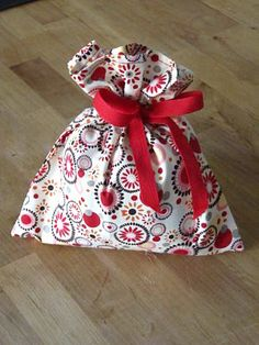 Sew Many Ways...: Tool Time Tuesday...Handmade Fabric Gift Bags