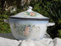 vintage enamel casserole dish. French enamelware. by LaBonneVie72