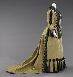 Silk jacquard ensemble with black chiffon and jet trim (side view, day bodice), by Charles Frederick (or Jean-Philippe) Worth, French, 1893. Also has an evening bodice and matching satin shoes with jet beads.