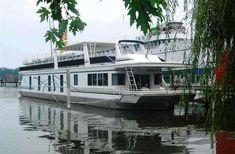 Sea Suites Boat and Breakfast in Saugatuck, Michigan | B&B Rental