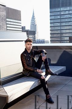 Elle India taps Zayn Malik as its latest cover star. Ricardo Abrahao photographs the singer for the feature. The photo shoot also brings together fashion editor… Zayn Malik Photoshoot, Zayn Malik Pics, Male Photoshoot, Menswear Street Style, Zayn Malik Wallpaper, Zany Malik, Zayn Malik Style, Together Fashion, Fashion Editor
