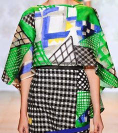 patternprints journal: PRINTS, PATTERNS AND SURFACE EFFECTS: BEAUTIFUL DETAILS FROM PARIS FASHION WEEK (WOMAN COLLECTIONS SPRING/SUMMER 2015) /Tsumori Chisato
