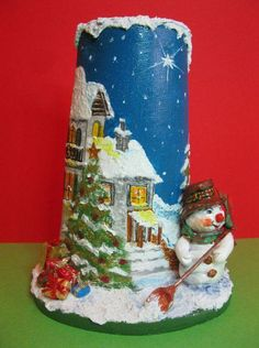 Christmas Is Coming, All Things Christmas, White Christmas, Christmas Time, Christmas Decoupage, Recycled Bottles, Garden Furniture, Snow Globes, Gingerbread