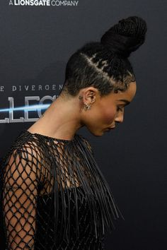 Awww so cute_Zoe Kravitz Shaved Side Hairstyles, Mohawk Hairstyles, Black Girls Hairstyles, Curly Hair Shaved Side, Natural Hair Cuts, Natural Hair Styles, Natural Updo, Zoe Kravitz Braids, Zoey Kravitz