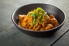 Poulet au beurre | Recettes | Signé M Tandoori, Tva, Curry, Favorite Recipes, Chicken, Cooking, Ethnic Recipes, Food, Indian Butter Chicken