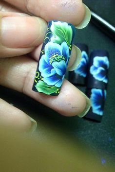 Uñas One Stroke, One Stroke Nails, One Stroke Painting, Nails & Co, Blue Nails, Floral Nail Art, Mini Paintings, Flower Nails, 3 D