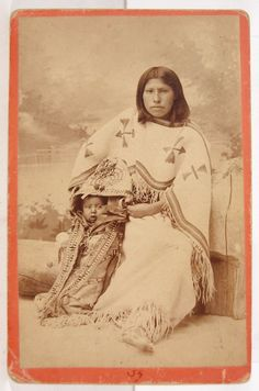 1880's NATIVE AMERICAN ARAPAHO INDIAN CABINET CARD PHOTO OF WOMAN & PAPOOSE