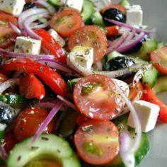 Billedresultat for græsk salat Easy Salad Recipes, Easy Salads, Healthy Recipes, Feta, Crab Stuffed Avocado, Cottage Cheese Salad, Salad Dishes, Dinner Salads, Summer Recipes