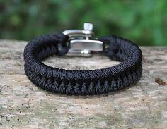 Done : Regular Survival Bracelet™ - Fish Tail black on black