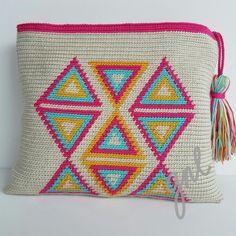 Tapestry Crochet Patterns, Crochet Purse Patterns, Crochet Clutch, Crochet Purses, Wiggly Crochet, Knit Or Crochet, Knitted Dolls, Knitted Bags, Crochet Shell Stitch