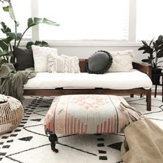 Ahhh weekends I love you After killing my hanging fern a few months ago I'm feeling a little nursery shopping trip coming on today. Any… ALMOHADONES! Living Room Decor, Living Spaces, Room Paint Colors, My New Room, Room Inspiration, Interior Design, House Styles, Organic Living, Boho