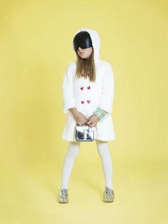 Fantasy Power | bbmundo / noviembre, 2011 / Foto: Gustavo Dueñas / Producción y coordinación de moda: Victoria Papuchi / Maquillaje y peinado: Karina Preciado