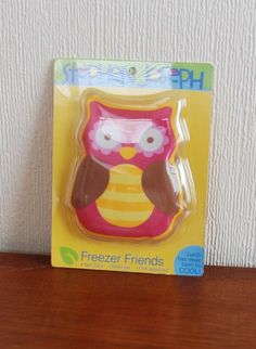 Owl freezer pack fits neatly into the inside mesh pocket of the lunch bag keeping lunch cool for hours!