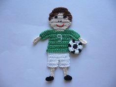 Häkelapplikationen - Fußballjunge - Häkelapplikation - ein Designerstück von Spielkiste bei DaWanda