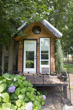 ok this tiny house rocks... especially the shower!