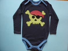 Body con calavera pirata por LacasitadeCaperucita en Etsy