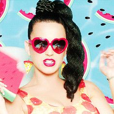 "Katy Perry: ""This Is How We Do"""