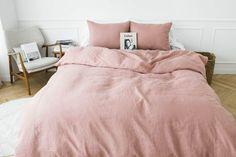 Стильное однотонное постельное белье.