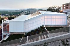 Built by Casos de Casas in Vinaròs, Spain with date 2013. Images by José Hévia. Design your climate to increase your domesticity  The house combines a particular form of urban planning that is taki...