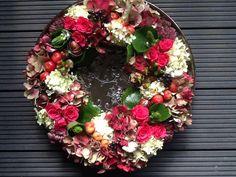 Herfstkrans hortensia en rozen