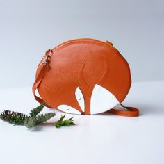 Sleeping Fox bag small size leather bag by krukrustudio on Etsy Leather Purses, Leather Wallet, Leather Bag, Sleeping Fox, Sleeping Animals, Fox Purse, Couture Cuir, It Bag, Kids Purse