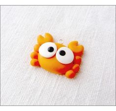Tuto: A crab made of polymer clay by Pti / Fimo Kawaii, Polymer Clay Kawaii, Polymer Clay Animals, Fimo Clay, Polymer Clay Charms, Polymer Clay Projects, Polymer Clay Art, Clay Crafts, Polymer Clay Jewelry