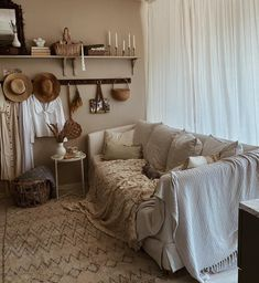 Scandinavian House, Entryway Tables, Furniture, Home Decor, Scandinavian Home, Decoration Home, Room Decor, Home Furnishings, Home Interior Design