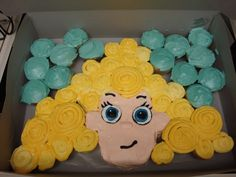 Bubble Guppy Cup Cake Cake