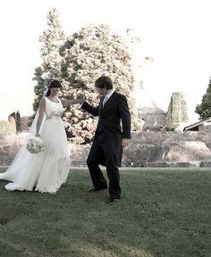 Boda en Los Claustros de Ayllon. Susana con vestido de Basaldúa