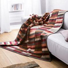 Couchdecke mit samtigem Flor und toller Farbkombination.