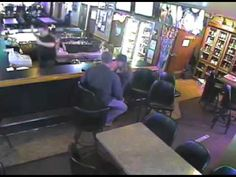 WATCH: Making Out Couple Miss Armed Robbery Next To Them | Elvis Duran and the Morning Show