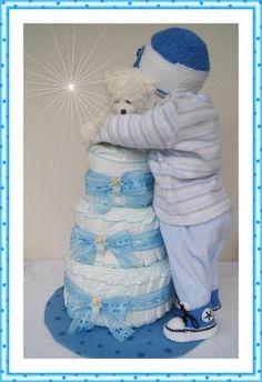 XXL Windeltorte Baby Junge kompl. Outfit blau von Geschenke-Eckle auf DaWanda.com