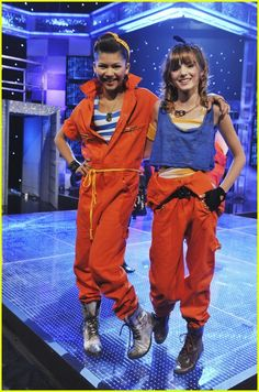 Old Disney Channel, Disney Channel Stars, Disney Stars, Bella Thorne Movies, Bella Thorne And Zendaya, Zendaya Outfits, Zendaya Style, Tv Show Outfits, Cute Outfits