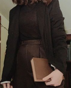 Detective Aesthetic, Look Dark, Tweed Coat, Outfit Goals, Aesthetic Clothes, My Wardrobe, Nice Dresses, Vintage Fashion, Vintage Style