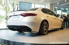 New Alfa Romeo Giulia...You little beauty!! I love Cool cars http://hectorbustillos.weebly.com/