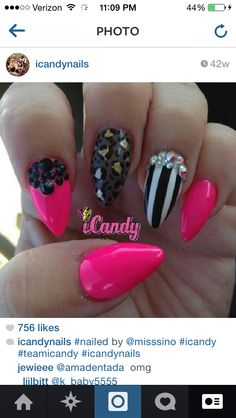 Strips pink black nails