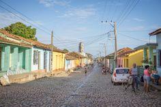 Gassen in Trinidad auf Kuba. Ein Reisebericht von Melanie Schillinger.