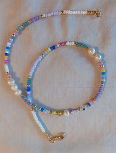 Diy Jewelry Necklace, Bead Jewellery, Cute Jewelry, Pearl Jewelry, Jewelery, Jewelry Accessories, Beaded Bracelets, Beaded Jewelry Designs, Necklace Designs