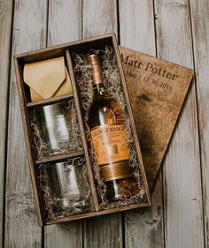 Wine Basket Gift Ideas Discover Whisky Box with slide lid (box only) Wood Gift Box, Wine Gift Boxes, Wine Gift Baskets, Wood Gifts, Diy Gifts, Best Gifts, Basket Gift, Party Gifts, Whiskey Gifts