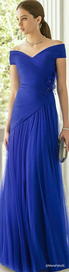 Off the shoulder #eveningdresses for your formal occasions can be made at www.dariuscordell.com