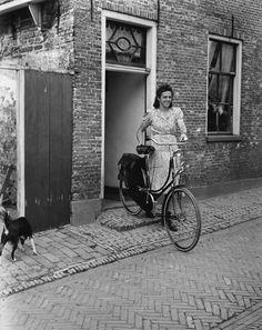 bike. Ben van Meerendonk, Amsterdam, 1948.