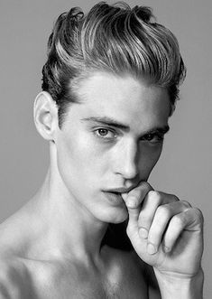 There are different variations of Pompadour style both men and women sport. We will show you the best hairstyle ideas for Pompadour hair and perfect haircuts. Beautiful Boys, Pretty Boys, Jeremy Dufour, Fotografie Portraits, Jace Lightwood, Hair Reference, Male Photography, Pompadour, Face Hair