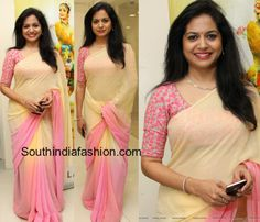 Singer Sunitha in Double Shaded Chiffon Saree – Singer Sunitha attended Natyam short film launch event wearing a pink and cream dual shaded plain chiffon saree paired with pink thread work elbow length sleeves blouse. She looked Simple Sarees, Trendy Sarees, Stylish Sarees, Fancy Sarees, White Saree Blouse, Pattu Saree Blouse Designs, Plain Chiffon Saree, Designer Sarees Wedding, Satin Saree