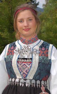 Hallingdal in Buskerud County, Norway Rare Clothing, Historical Clothing, Folk Clothing, Norway Culture, Norwegian People, Norwegian Vikings, Costumes Around The World, Ethnic Dress, Folk Costume