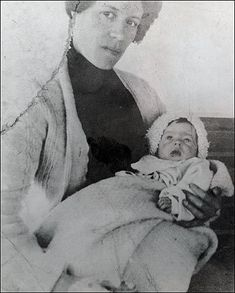 Baby Millvina in 1912 with her mother Georgette. Millvina was 9-weeks-old when the Titanic sank. She was the last Titanic survivor, passing away 31st May 2009 at 97.